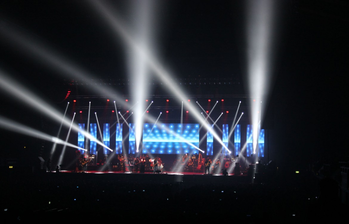 Arijit Singh with Symphony Orchestra 2015