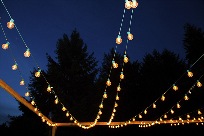 Hanging-Strands-of-Lights-iStock_000031445828_Medium