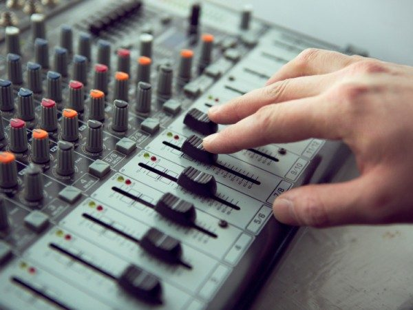 What is a Mixing Desk – And Why Does My Event Need One?